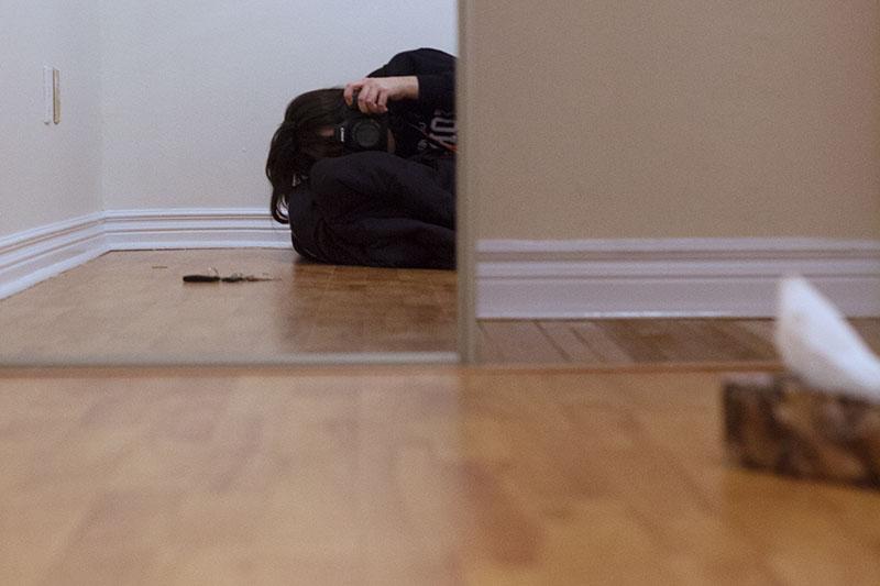 empty-room-mirror-pic