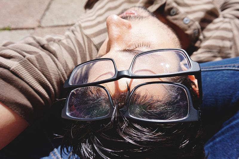 double-glasses-nap-thomas